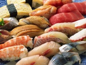 9 категории нискокалорични храни, които ще ви държат сити и ще ви помагат да изгаряте мазнини през целия ден